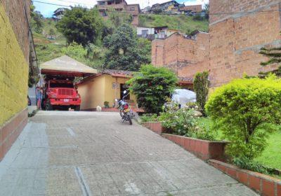Foto de La Planta por la escuela