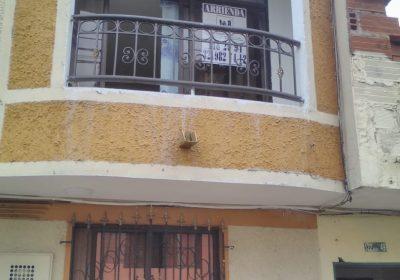 Foto de LA INMACULADA POR EL PARQUEADERO
